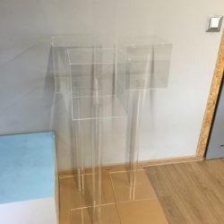 stojak z plexi