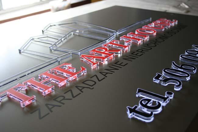tablica z aluminium