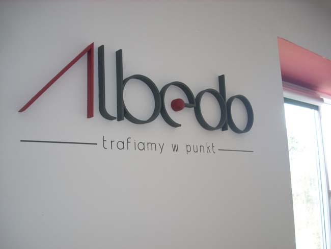 litery_ze_styroduru_albedo