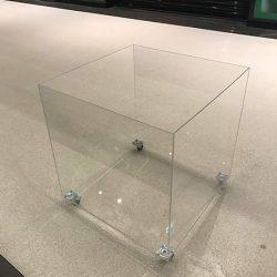 stoły z plexi