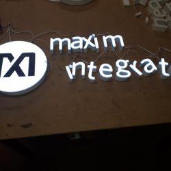 literki podświetlane